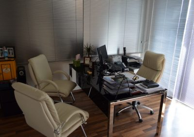 dr-michalis-cyprus-nicosia-consultation-room